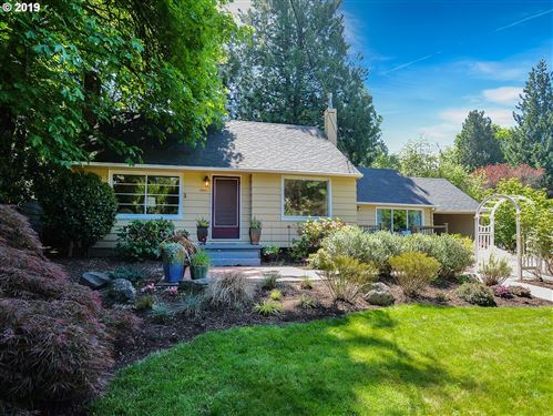 Photo of 4900 SW Boundary ST, Portland, OR 97221 (MLS # 19135209)