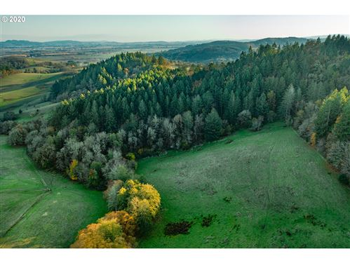 Photo of 0 Rock of ages, McMinnville, OR 97128 (MLS # 20153211)
