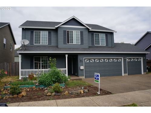 Photo of 645 NE WINTERCREST LN, McMinnville, OR 97128 (MLS # 20580211)