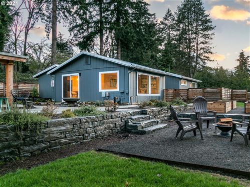 Photo of 10261 SW LANCASTER RD, Portland, OR 97219 (MLS # 21392211)
