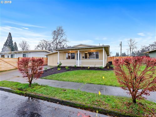 Photo of 3614 N ALASKA PL, Portland, OR 97217 (MLS # 19044212)