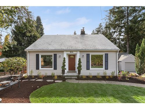 Photo of 1806 SW TAYLORS FERRY RD, Portland, OR 97219 (MLS # 20035213)