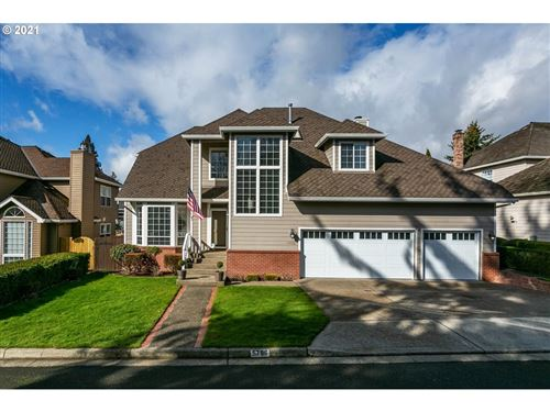Photo of 5796 BAY POINT DR, Lake Oswego, OR 97035 (MLS # 21370213)