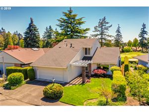 Photo of 10100 SW HIGHLAND DR, Tigard, OR 97224 (MLS # 19297216)