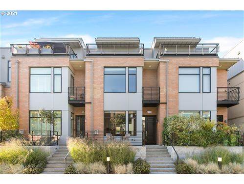 Photo of 1652 NW RIVERSCAPE ST, Portland, OR 97209 (MLS # 21586216)