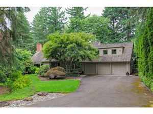 Photo of 2151 CREST DR, Lake Oswego, OR 97034 (MLS # 19038219)