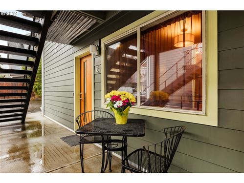 Photo of 1924 SE 11TH AVE #6, Portland, OR 97214 (MLS # 19530219)