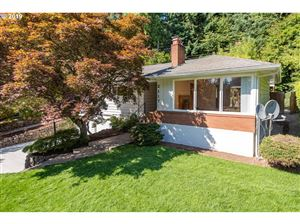 Photo of 2117 SW SUNSET BLVD, Portland, OR 97239 (MLS # 19024221)