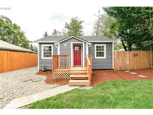 Photo of 11520 SE HAROLD ST, Portland, OR 97266 (MLS # 19032221)