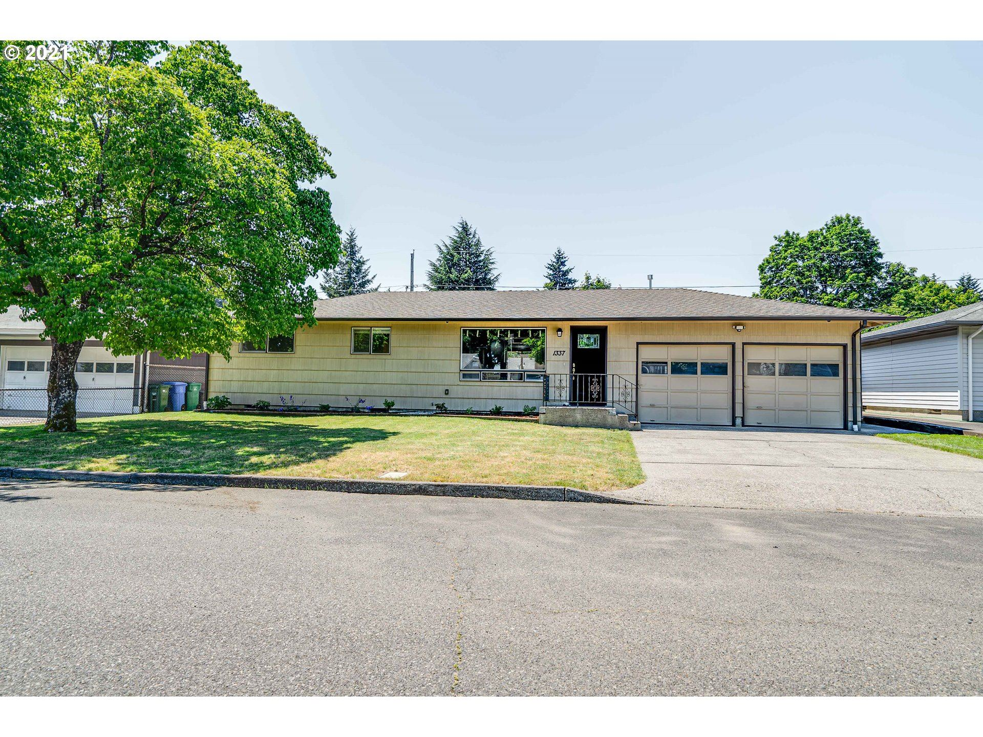1337 SE 151ST AVE, Portland, OR 97233 - #: 21235223