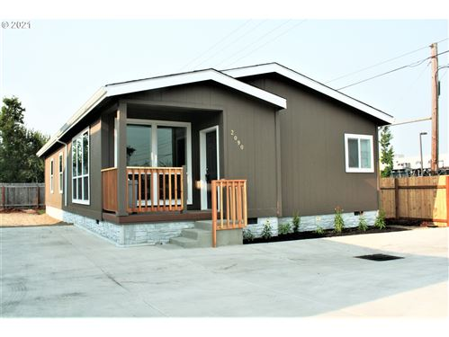 Photo of 2090 L ST, Springfield, OR 97477 (MLS # 21145228)