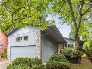 Photo of 8334 SW 9TH AVE, Portland, OR 97219 (MLS # 19263229)