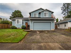 Photo of 224 SW WILLOWBROOK DR, Gresham, OR 97080 (MLS # 19125231)