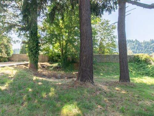 Tiny photo for 2733 NE 102ND AVE, Portland, OR 97220 (MLS # 21017239)