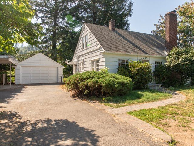 Photo for 2733 NE 102ND AVE, Portland, OR 97220 (MLS # 21017239)