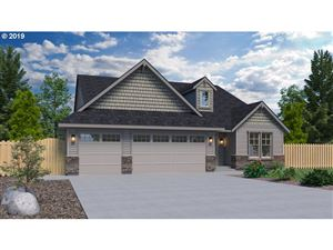 Photo of 2010 NW McGarey DR, McMinnville, OR 97128 (MLS # 19169240)