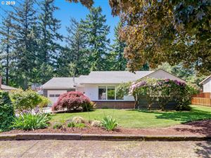 Photo of 911 NE 113TH AVE, Portland, OR 97220 (MLS # 19479240)