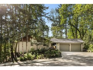 Photo of 3270 FOREST CT, West Linn, OR 97068 (MLS # 19046242)