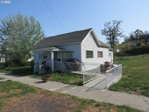 Photo of 624 SW 1ST ST, Pendleton, OR 97801 (MLS # 19017244)