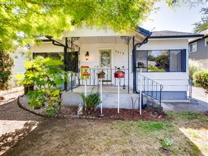 Photo of 9514 N TODD ST, Portland, OR 97203 (MLS # 19542245)