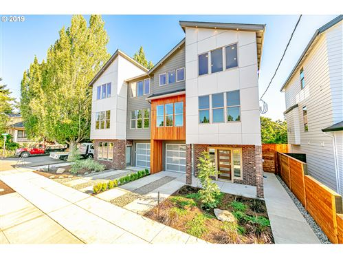 Photo of 1784 SE Brooklyn ST, Portland, OR 97202 (MLS # 20452246)