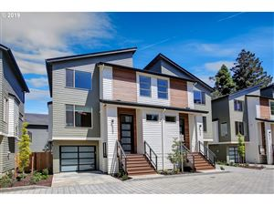 Photo of 5952 NE 42nd AVE, Portland, OR 97218 (MLS # 19370250)