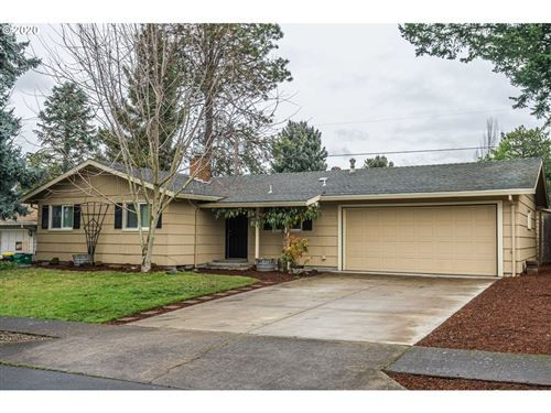 Photo of 6920 SW BRIARCLIFF CIR, Beaverton, OR 97008 (MLS # 20682251)