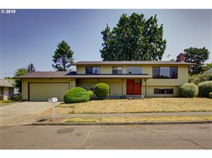 Photo of 3046 SE 141ST AVE, Portland, OR 97236 (MLS # 19539252)