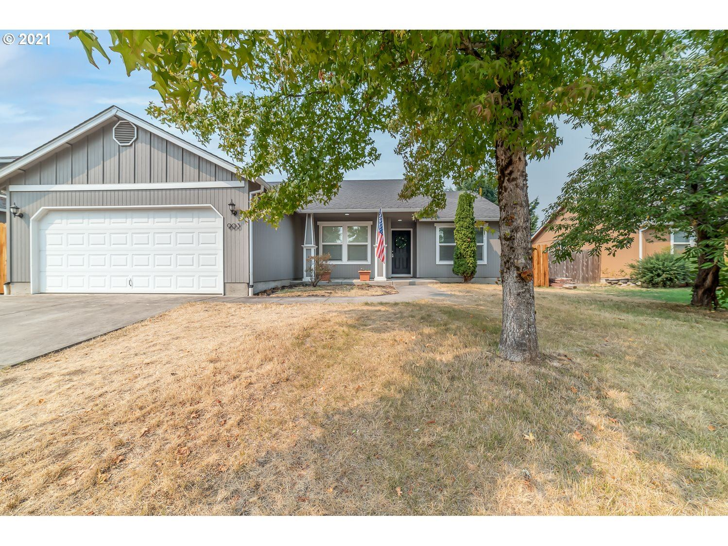 Photo for 903 N 1ST ST, Creswell, OR 97426 (MLS # 21319252)
