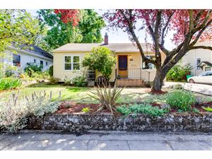 Photo of 3374 SE 16TH AVE, Portland, OR 97202 (MLS # 19091253)