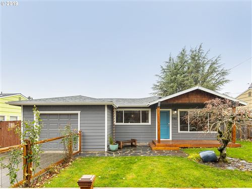 Photo of 7911 SE SHERMAN ST, Portland, OR 97215 (MLS # 19417253)