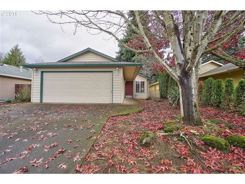 Photo of 6428 SE 139TH AVE, Portland, OR 97236 (MLS # 19463254)