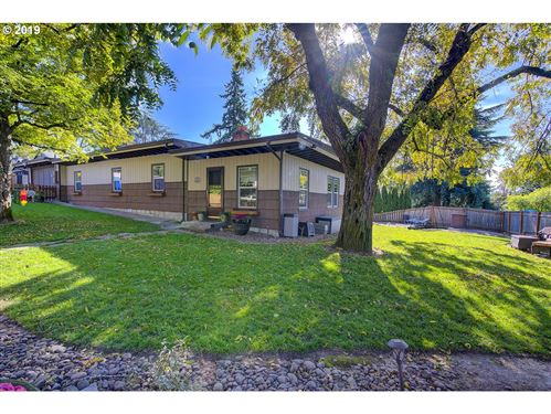 Photo of 15405 SE WALLACE RD, Milwaukie, OR 97267 (MLS # 19279255)