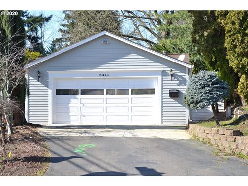 Photo of 8441 SW 10TH AVE, Portland, OR 97219 (MLS # 19330256)