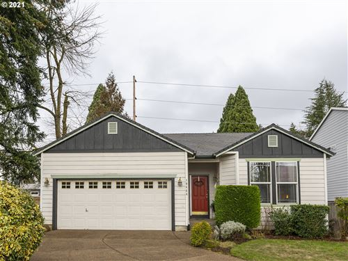 Tiny photo for 19444 WOODLANDS TER, Oregon City, OR 97045 (MLS # 21026257)