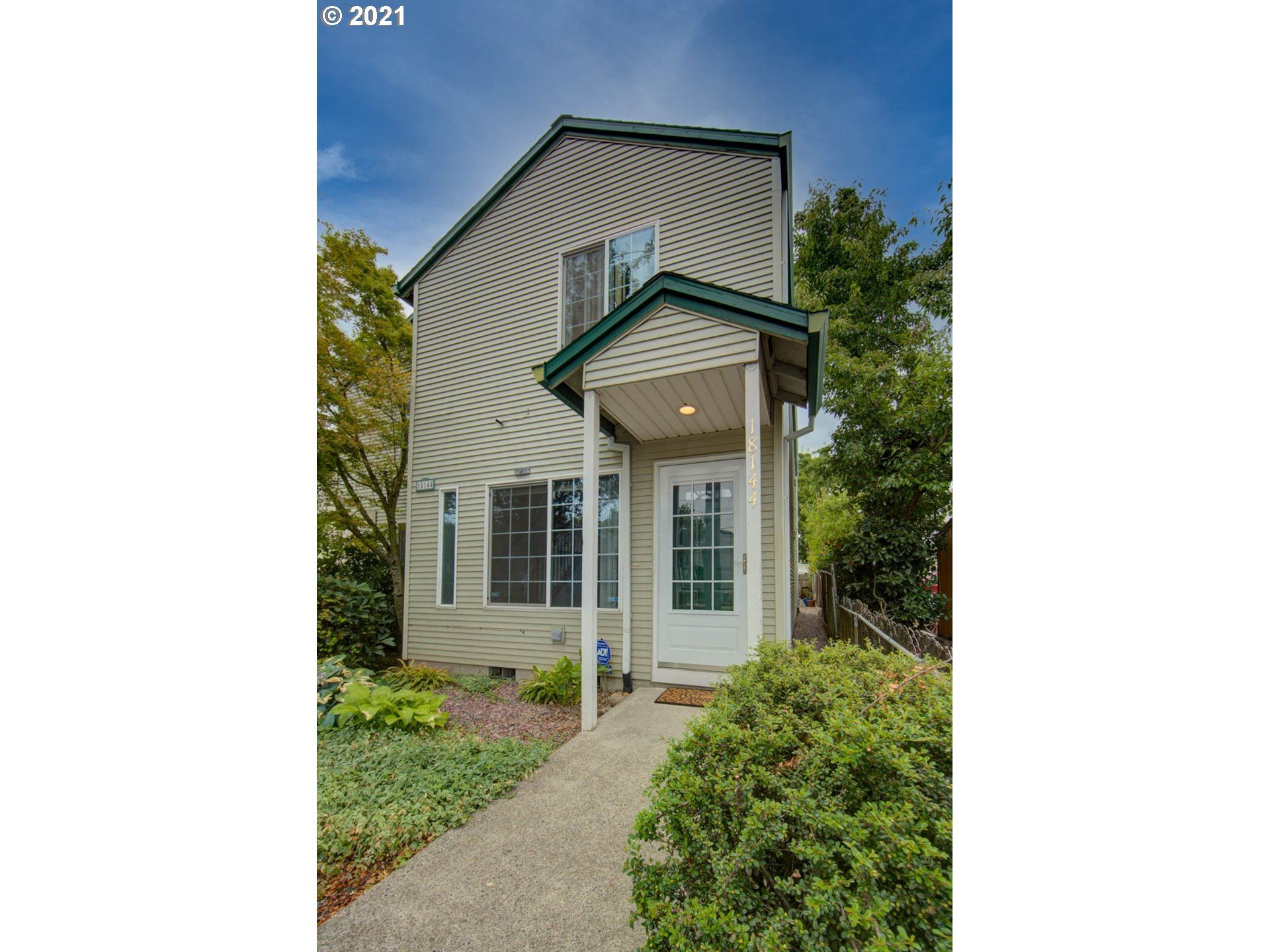 18144 E BURNSIDE ST E, Portland, OR 97233 - MLS#: 21352257