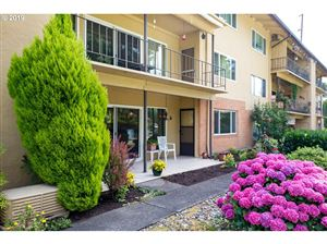 Photo of 1400 SE LAVA DR 13 #13, Milwaukie, OR 97222 (MLS # 19531258)