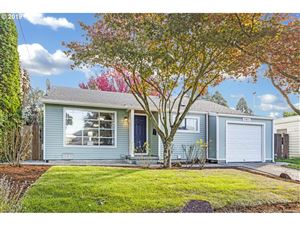 Photo of 3804 SE 27TH AVE, Portland, OR 97202 (MLS # 19164259)