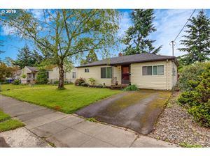 Photo of 7326 SE WOODSTOCK BLVD, Portland, OR 97206 (MLS # 19121260)