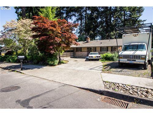 Photo of 1014 NE 177th AVE, Portland, OR 97230 (MLS # 20293260)