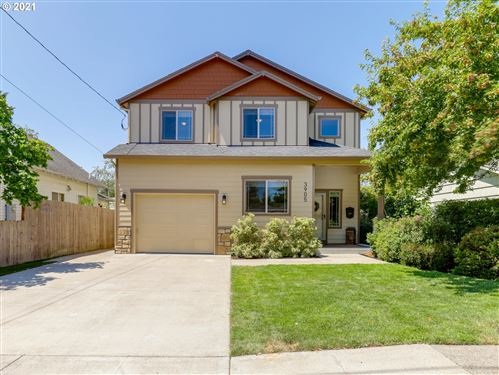 Photo of 3905 SE 71ST AVE, Portland, OR 97206 (MLS # 21599262)