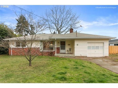 Photo of 7444 SE 70TH AVE, Portland, OR 97206 (MLS # 19645264)