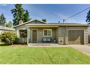 Photo of 10105 SE LONG ST, Portland, OR 97266 (MLS # 19089265)