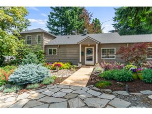 Photo of 9312 SW 40TH AVE, Portland, OR 97219 (MLS # 19672265)