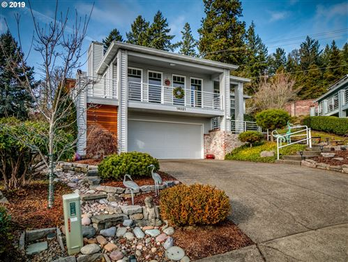 Photo of 16021 SW 130TH TER, King City, OR 97224 (MLS # 19324267)