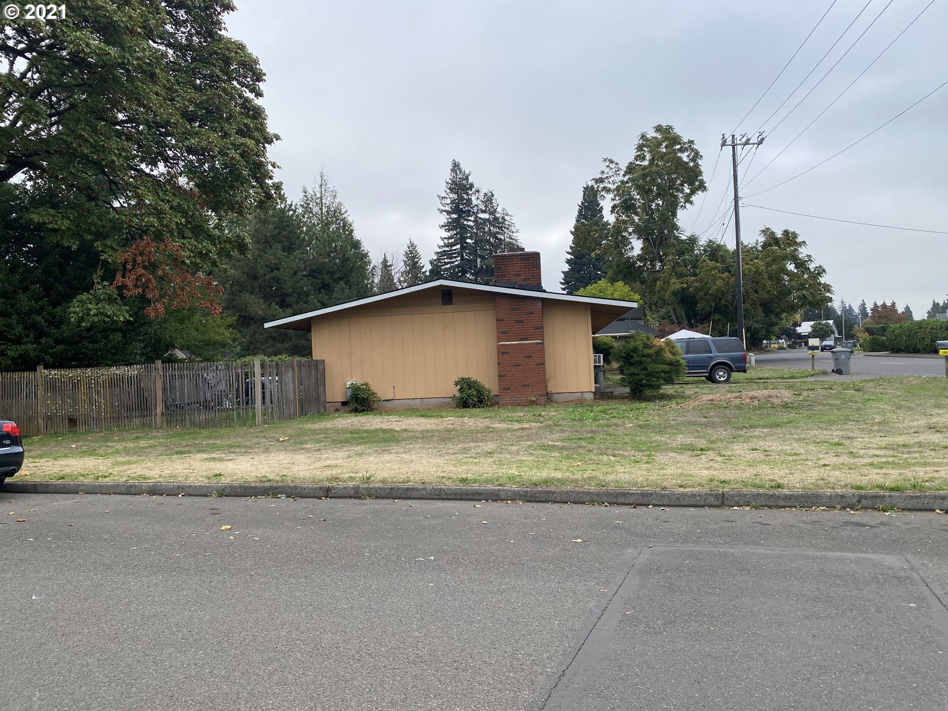 Photo of 400 S ELM ST, Canby, OR 97013 (MLS # 21302268)