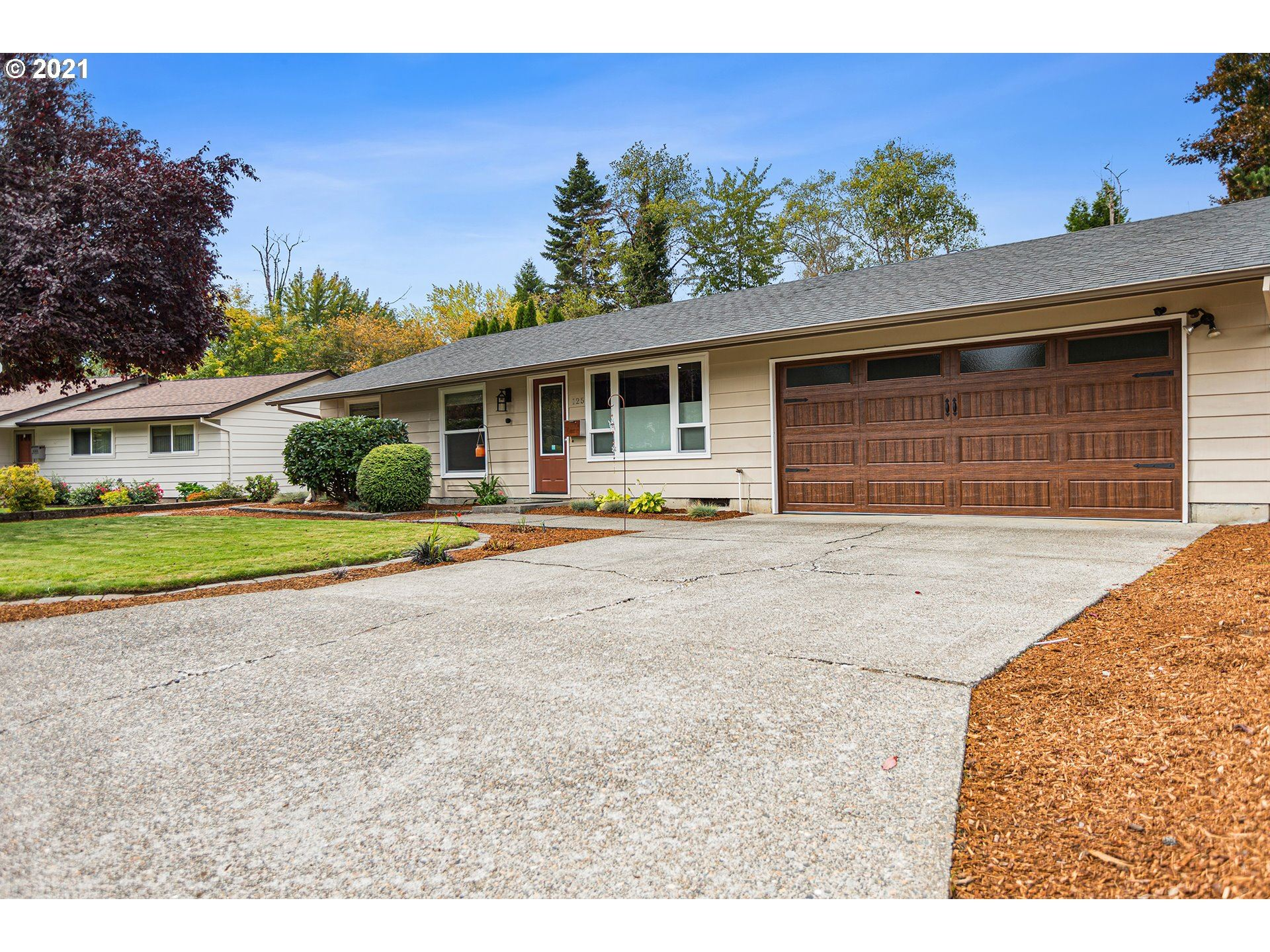 Photo of 125 SW 130TH AVE, Beaverton, OR 97005 (MLS # 21335270)