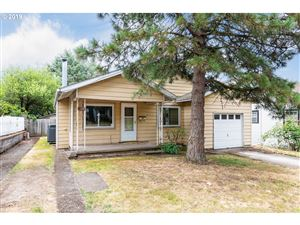 Photo of 2114 NE 57TH AVE, Portland, OR 97213 (MLS # 19010272)