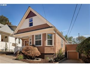 Photo of 4630 SW WATER AVE, Portland, OR 97239 (MLS # 19079274)