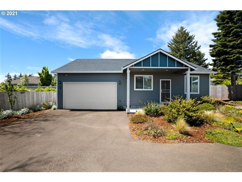 Photo of 105 NE 143RD AVE, Portland, OR 97230 (MLS # 21299275)